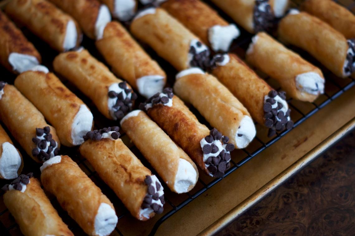 Mini Cannoli | www.midwestniceblog.com