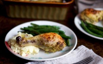 Pesto Roasted Chicken Legs | via Midwest Nice Blog