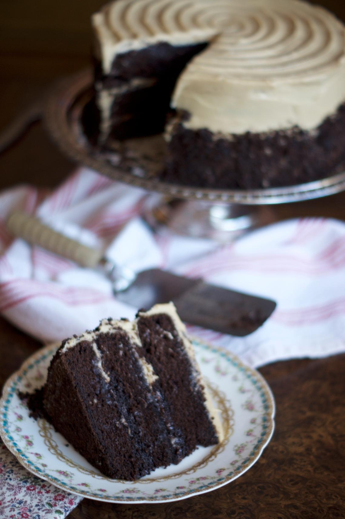 Chocolate Coffee Stout Cake | via Midwest Nice Blog