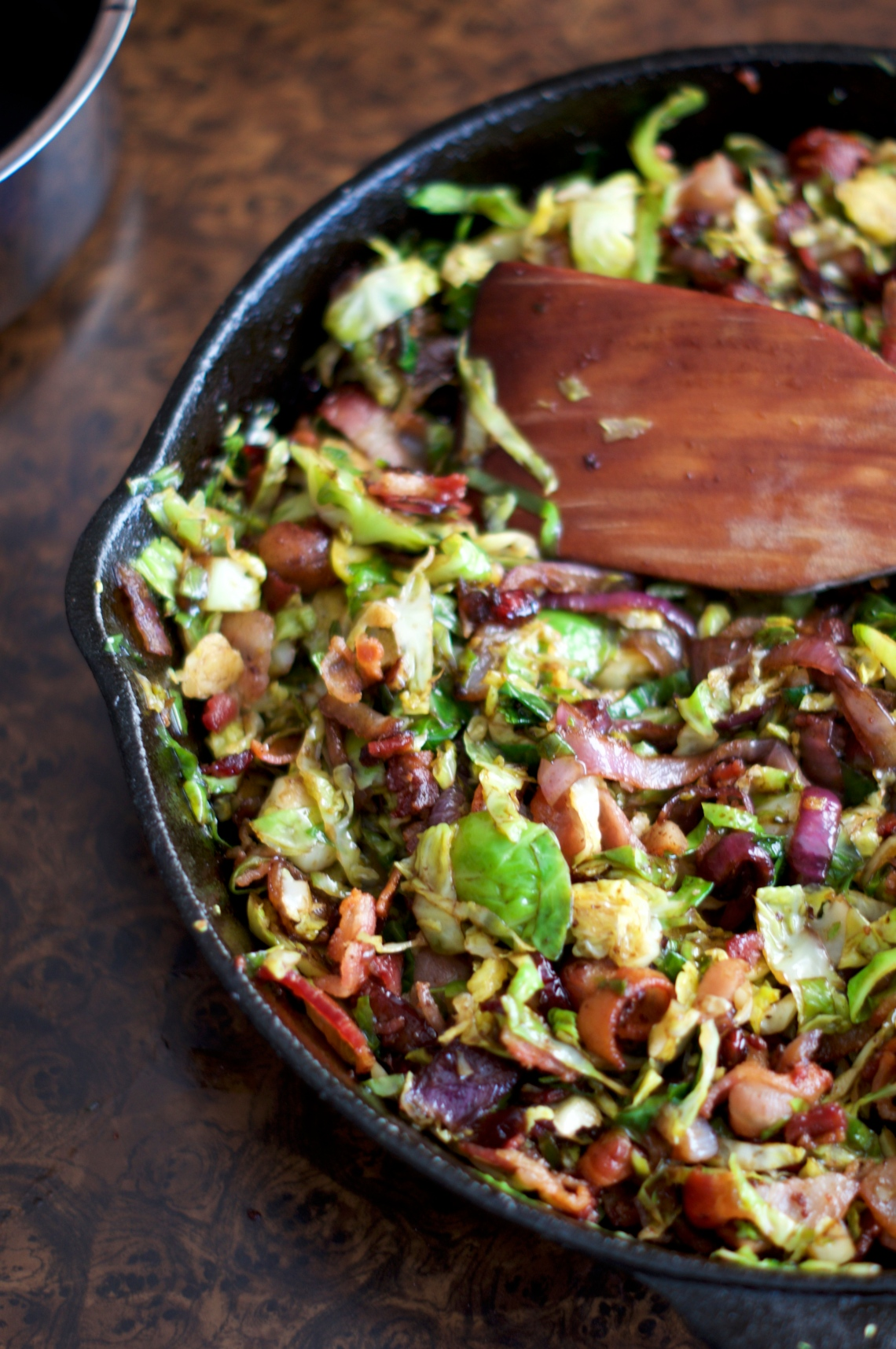 Bacon Braised Brussels Sprouts | via Midwest Nice Blog