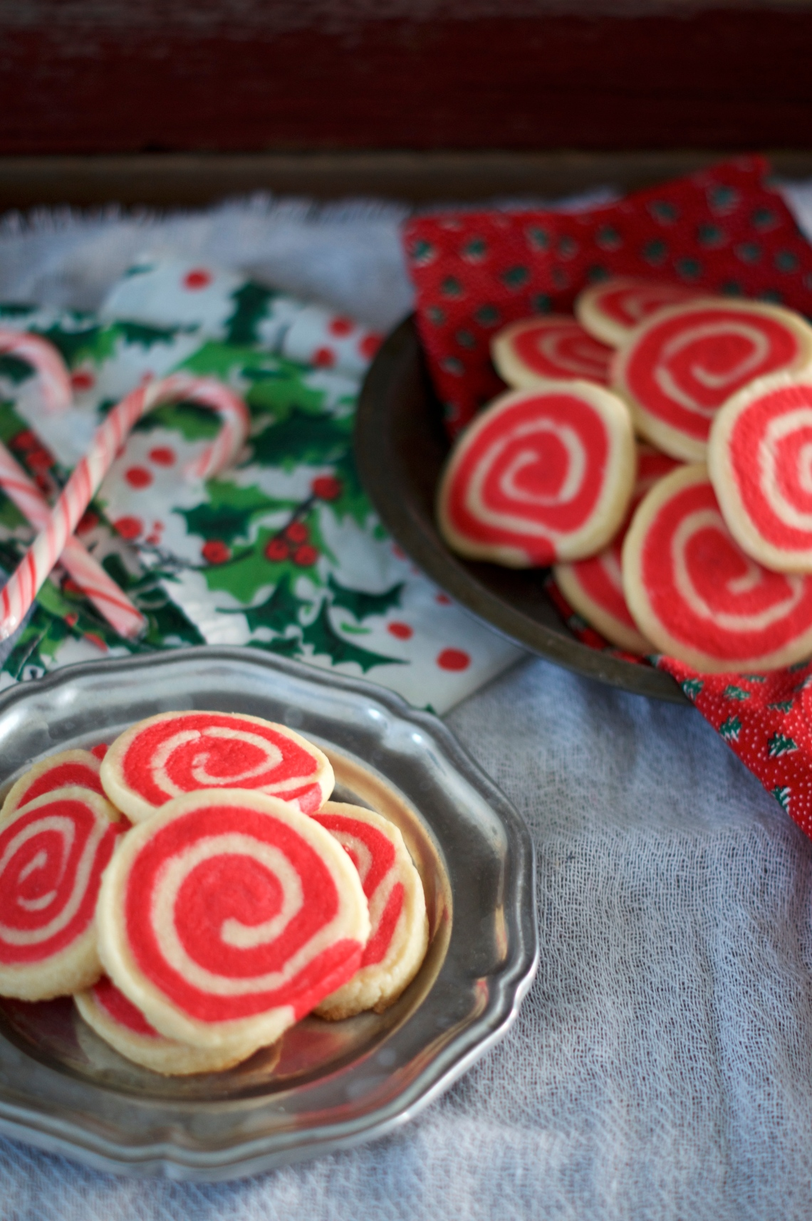 Peppermint Pinwheel Meltaways