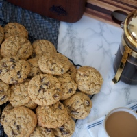 Oatmeal Raisin Cookies (& first impressions)