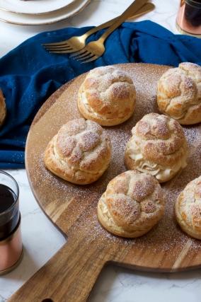 Tiramisu Cream Puffs